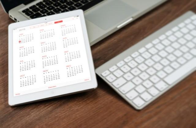 Tastatur mit Tablet Kalender